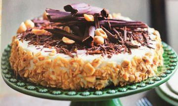 Torta di Ricotta e Nocciole (Flourless Hazelnut and Ricotta Cake)