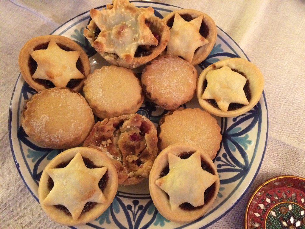 A bowl of mince pies