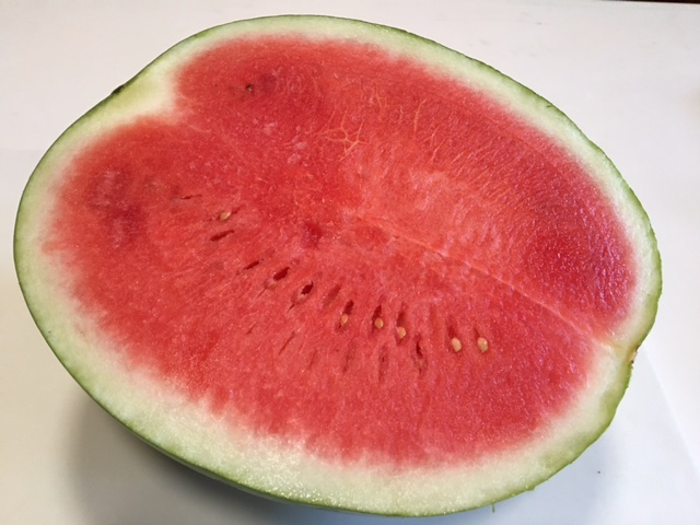 Round seeded watermelon weighing 3kg-4Kg